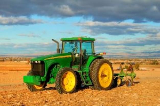 Wybór pakietu ubezpieczeń rolnych.